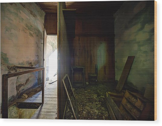 Wood Print featuring the photograph Let The Sun Shine In The Zoagli Abandoned Home by Enrico Pelos