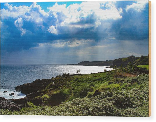 Light Streams On Kauai Wood Print