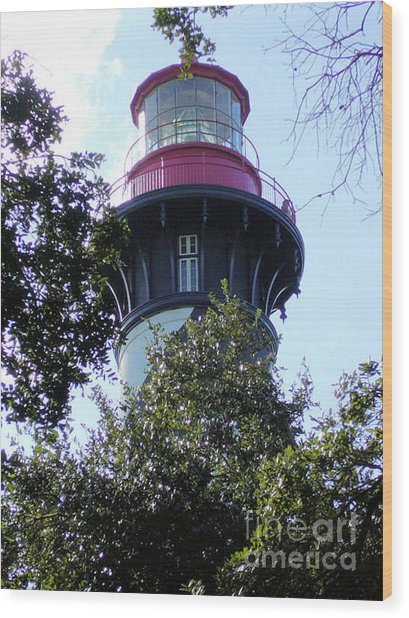 Lighthouse Among The Live Oaks Wood Print by Barbara Oberholtzer
