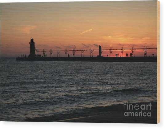 Lighthouse At Sunset Wood Print