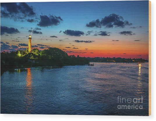 Lighthouse Light Beam Wood Print