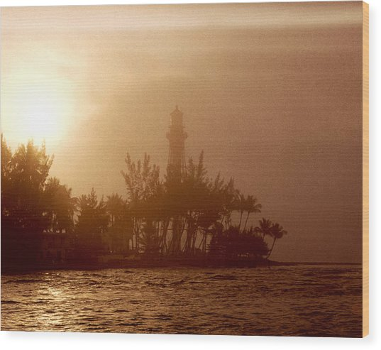Lighthouse Point Sunrise Wood Print