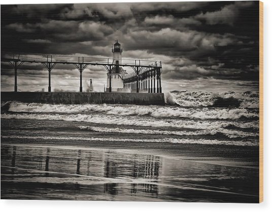 Lighthouse Reflections In Black And White Wood Print