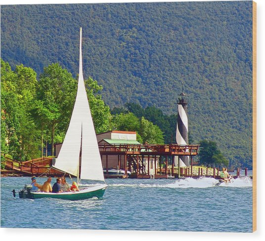 Lighthouse Sailors Smith Mountain Lake Wood Print