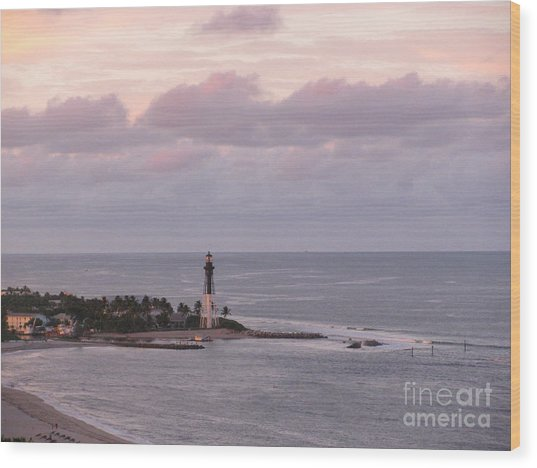 Lighthouse Sunset Peach And Lavender Wood Print