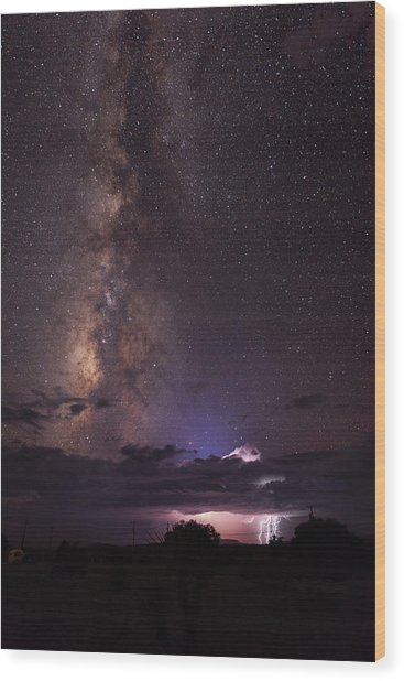 Lightning And Milky Way Wood Print