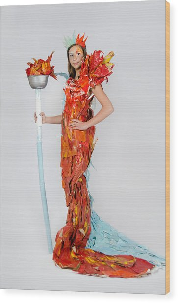 Lily In Fire And Ice Queen Wood Print