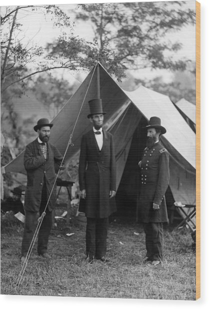 Lincoln With Allan Pinkerton - Battle Of Antietam - 1862 Wood Print