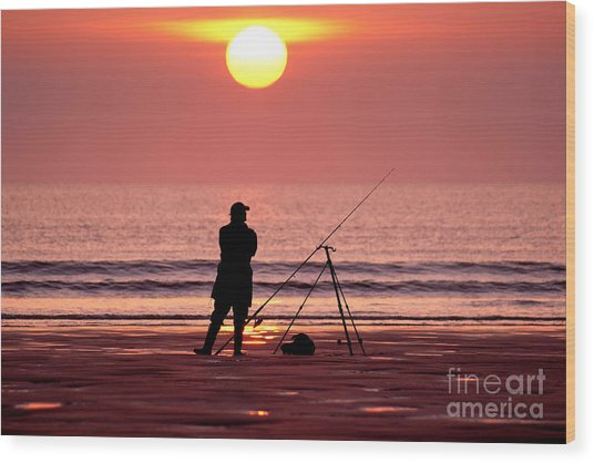 Llangennith Fishing At Sundown Wood Print