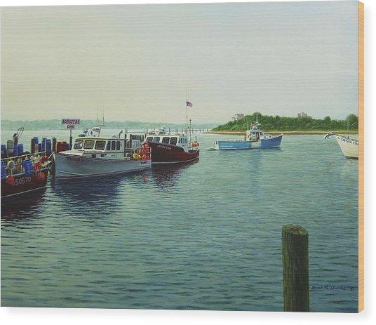 Lobsters And Crabs Wood Print by Bruce Dumas
