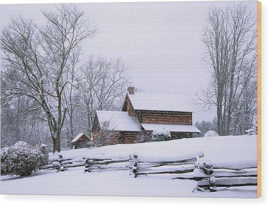 Log Cabin In Snow Wood Print by Alan Lenk