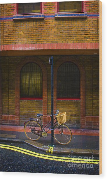 London Bicycle Wood Print