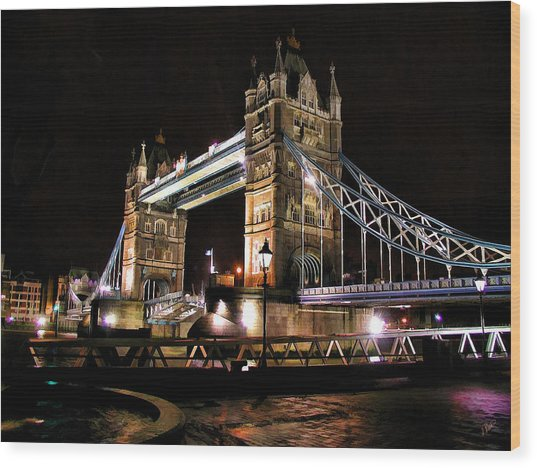 London Bridge At Night Wood Print