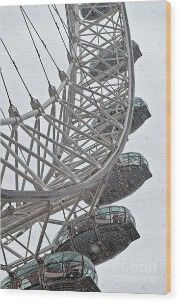 London Eye And Snow Wood Print