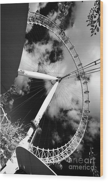 London Ferris Wheel Bw Wood Print