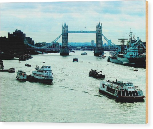 Wood Print featuring the photograph London Uk by Michelle Dallocchio