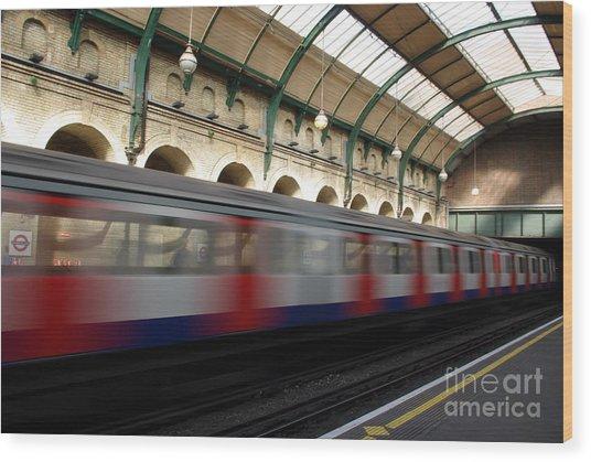 London Underground Wood Print by Catja Pafort