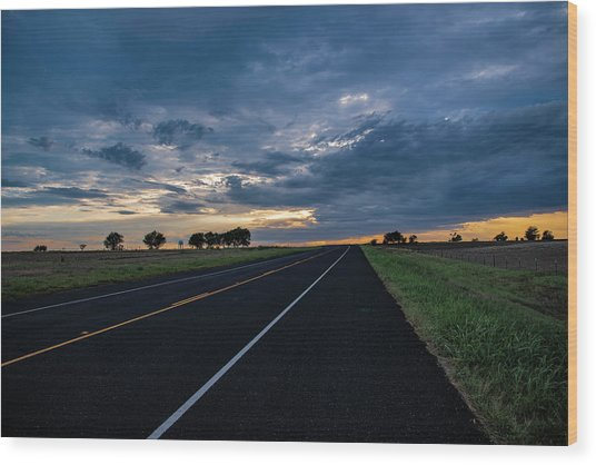 Lone Highway At Sunset Wood Print