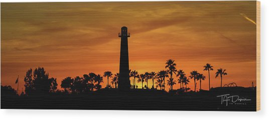 Long Beach Lighthouse Wood Print