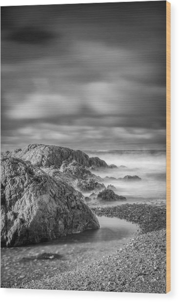 Long Exposure Of A Shingle Beach And Rocks Wood Print