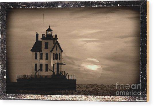 Lorain Lighthouse - Lake Erie - Lorain Ohio Wood Print