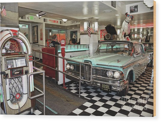 Loris Diner In San Francisco Wood Print