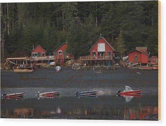 Low Tide At Fish Camp Wood Print