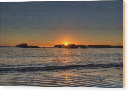 Mackinsie Beach Sun Burst Wood Print