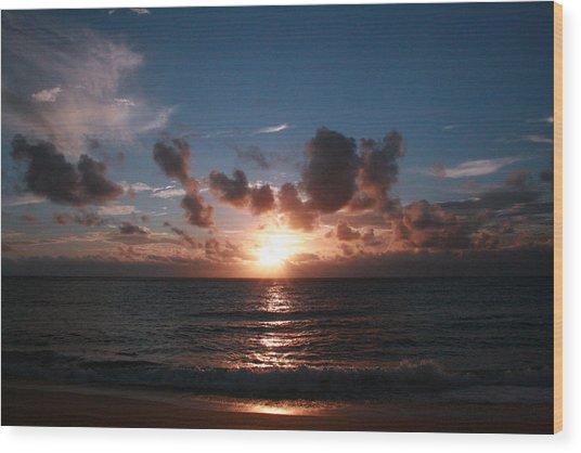 Ma'ili Sunset Wood Print