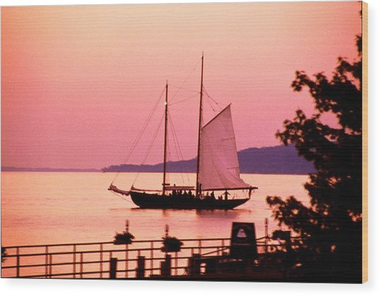 Malabar X Sailboat At Sunset Wood Print by Roger Soule
