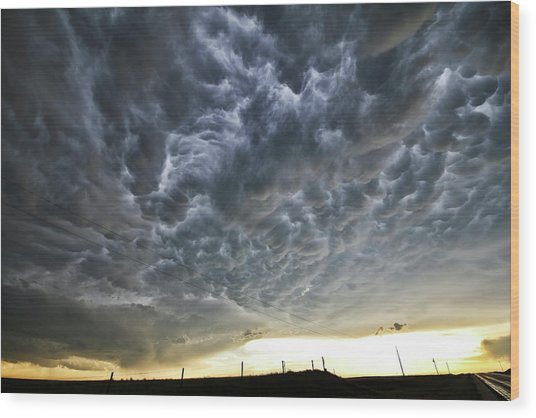 Mammatus Over Nebraska Wood Print