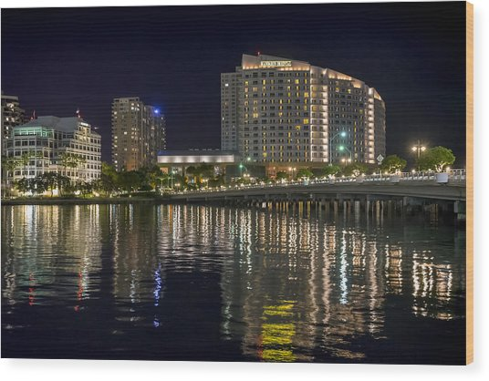 Mandarin Oriental On Brickell Key Wood Print