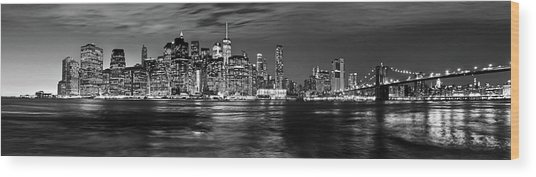 Manhattan Skyline At Dusk From Broklyn Bridge Park In Black And  Wood Print