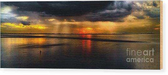 Manila Bay Sunset Wood Print