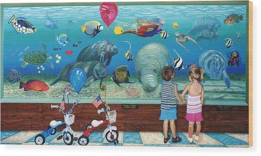 Manitee Aquarium With My Twins Wood Print