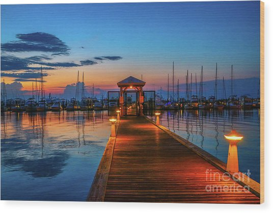 Marina Sunrise Wood Print