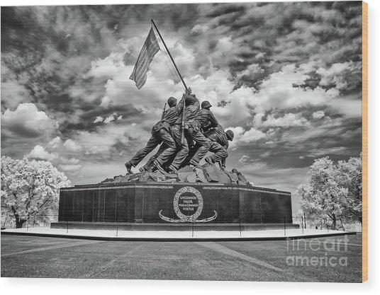 Marine Corps War Memorial Wood Print