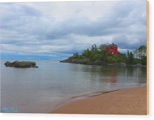 Marquette Harbor Lighthouse Wood Print