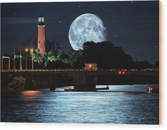 Mega Super Moon Rising Over Jupiter Lighthouse Wood Print