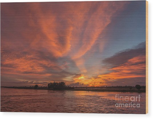 Mekong Sunset 3 Wood Print
