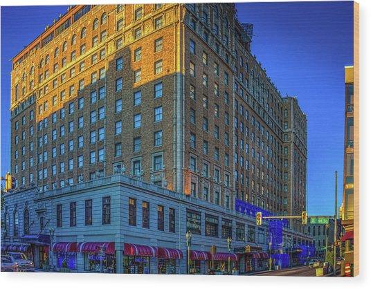 Memphis Peabody Hotel Wood Print