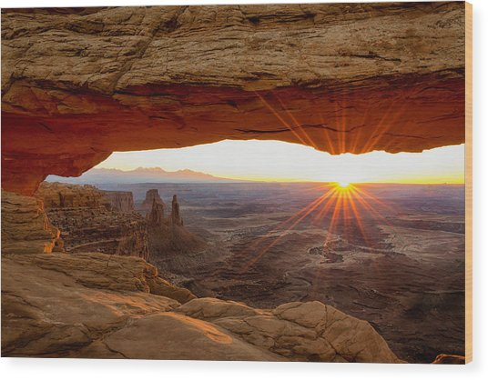 Mesa Arch Sunrise - Canyonlands National Park - Moab Utah Wood Print