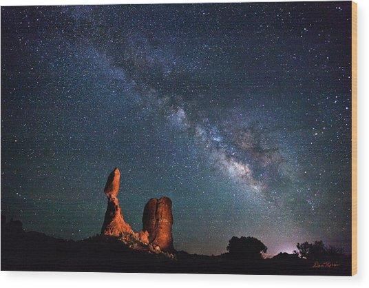 Milky Way Over Balanced Rock Wood Print
