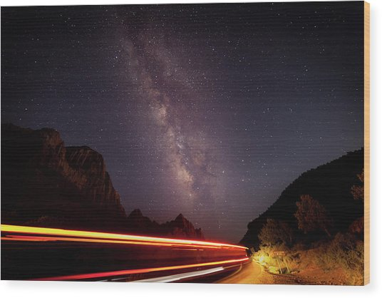 Milkyway Over The Higway Wood Print