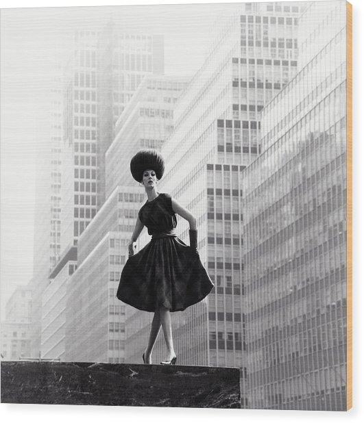 Model Wearing Lilly Dache Hat In New York City Wood Print