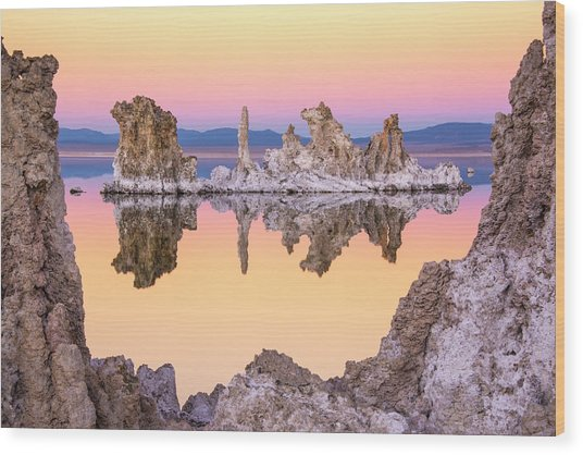 Mono Lake Through A Tufa Frame Wood Print