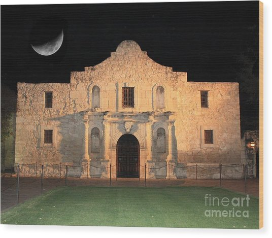 Moon Over The Alamo Wood Print