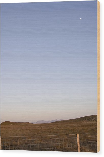 Moon Over The Cuillins Wood Print by Dan Andersson