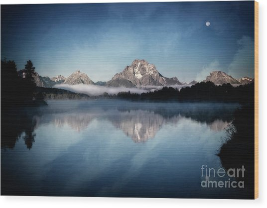 Moonset Wood Print