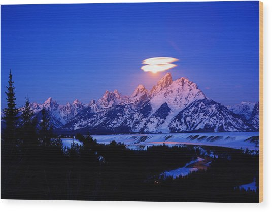 Moon Sets At The Snake River Overlook In The Tetons Wood Print